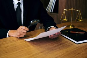 artificial intelligence better at checking for contract risks than lawyers