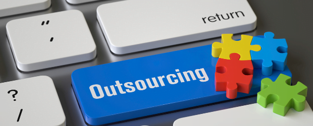 it outsourcing costs
